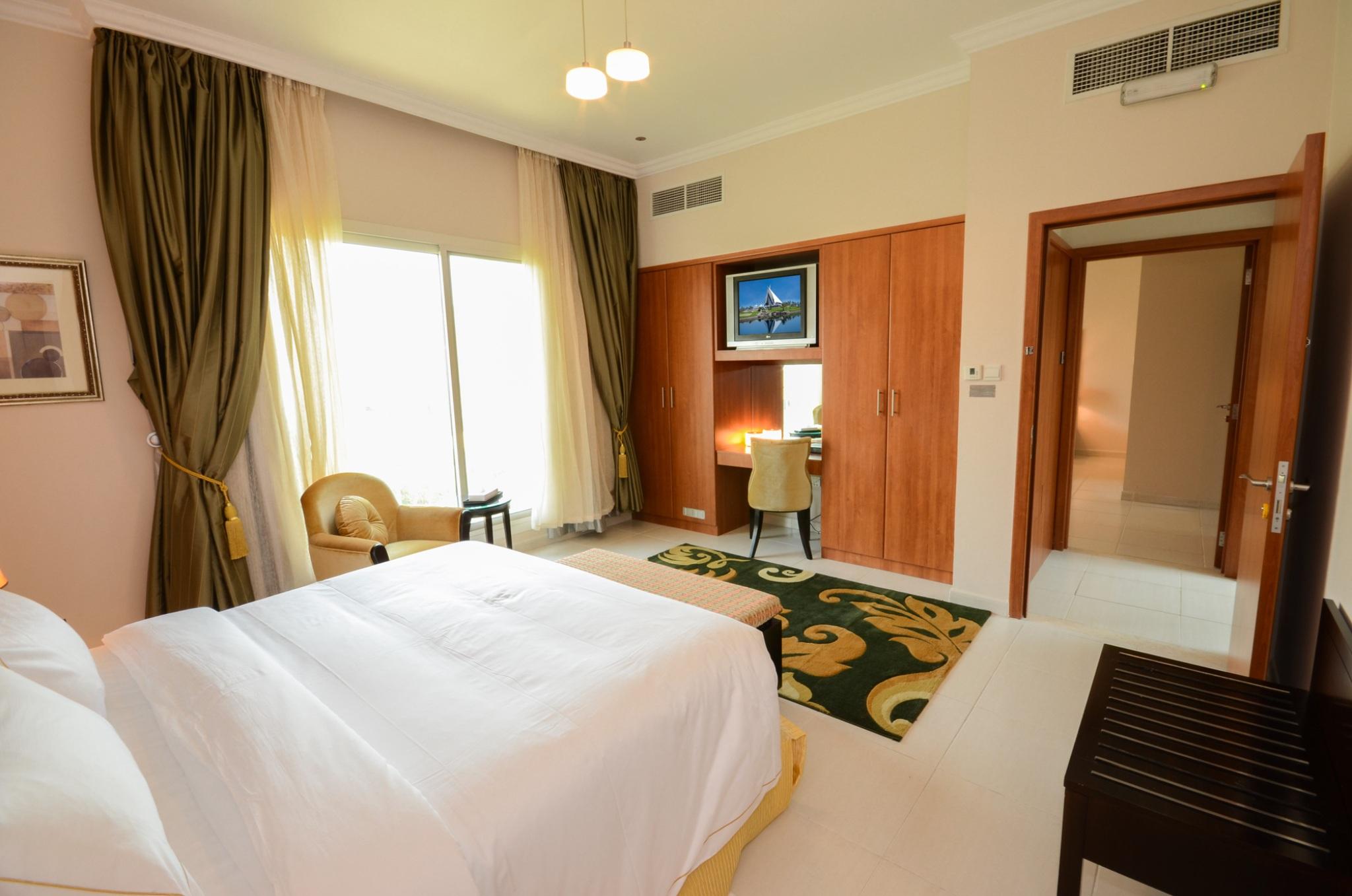 Dubai Holiday Villas Stunning 4 Bedroom Villa With Maids