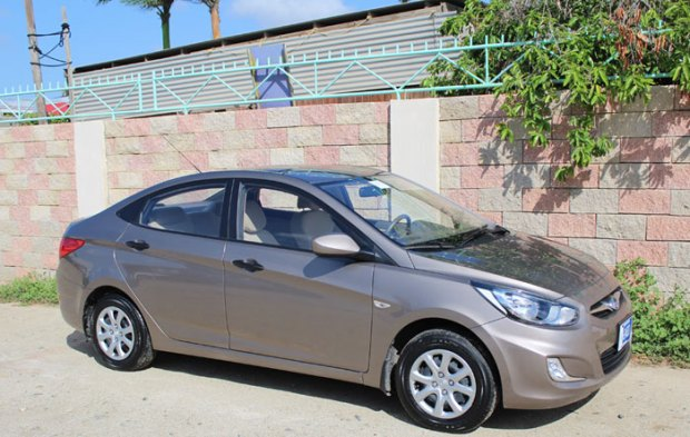 Hyundai Accent Aruba Car Rental