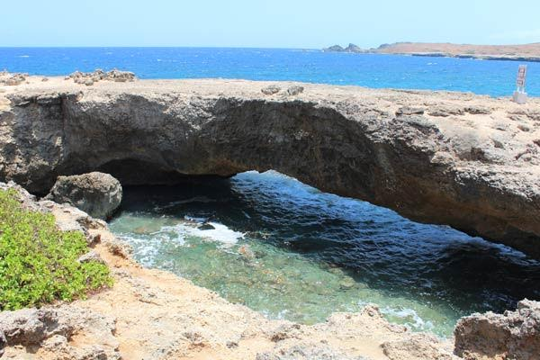 natural bridge in aruba