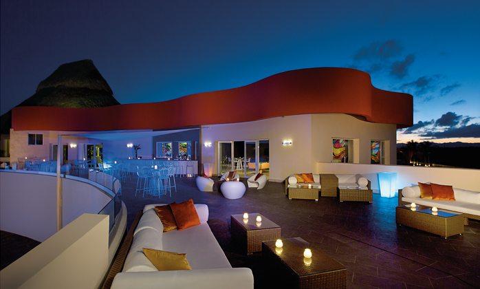 After Dark Sports Bar & Nightclub terrace