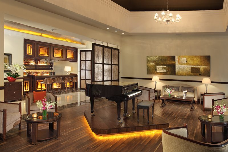 The Secrets St. James Preferred Club bar serving premium international and domestic brand beverages.