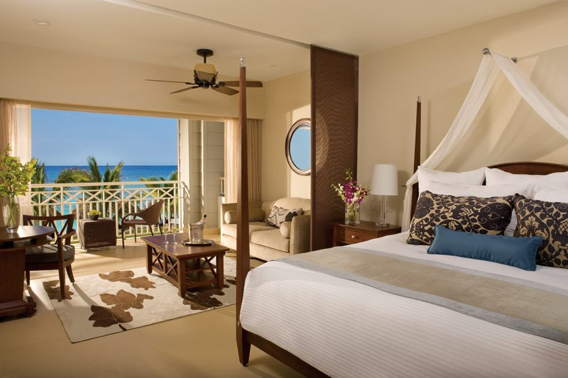 The Junior Suite Ocean View provides a separate living area, elegant decor and stunning ocean views.