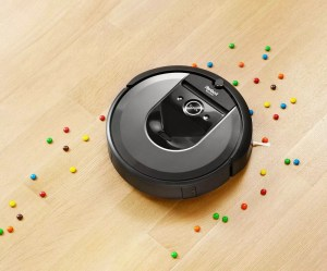 iRobot Roomba i7+ review – this robot vacuum brings new features into your home