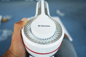 Alfawise cordless vacuum is equal parts cheap, versatile and multi-functional