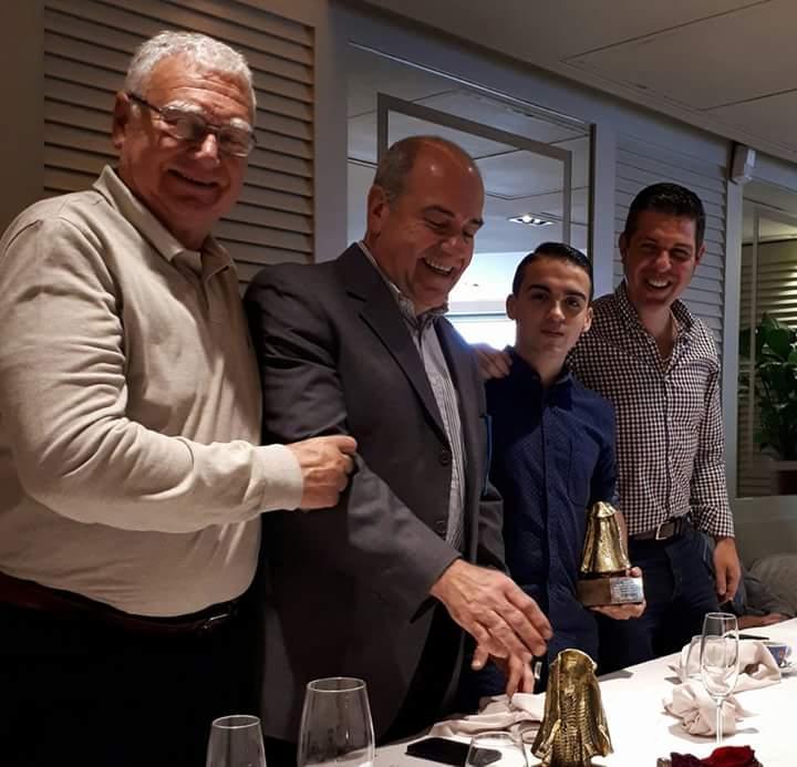 La Penya José Tomás de Barcelona premia a Manuel de Reyes