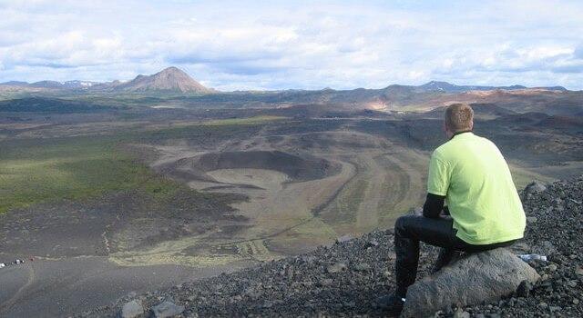 Kraterlandschap bij Reykjahlid tijdens een motortocht door IJsland
