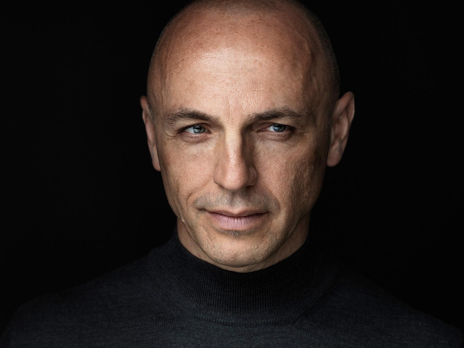 Montreal Portrait and Headshot Photographer Vadim Daniel