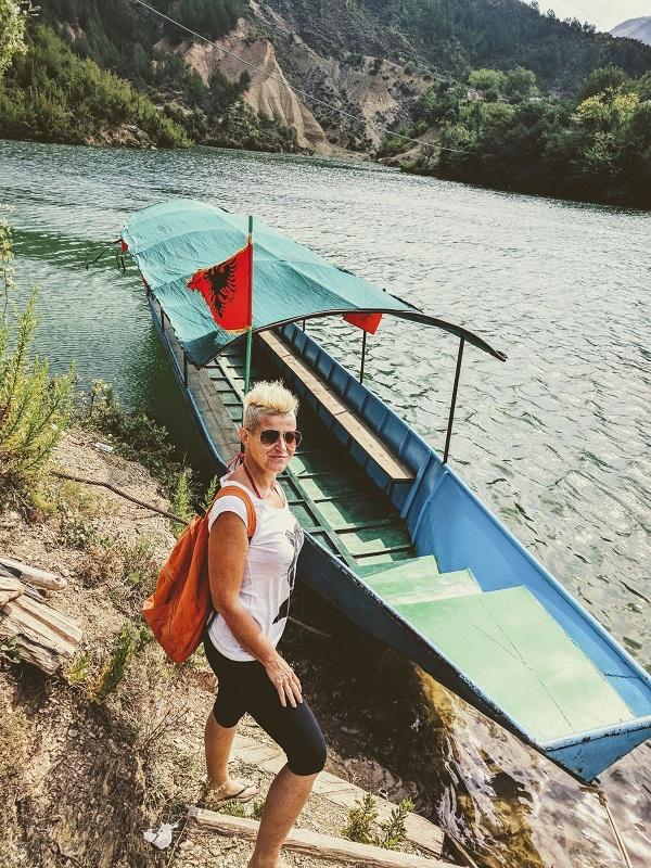 Shala River, Arrivo alla spiaggia Lago di Koman