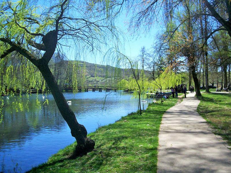 Viaggi e vacanze in Albania, tour dell'Albania Comunista Parco di Drilon Pogradec