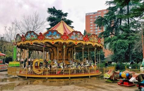 Visitare Tirana con i bambini, parco divertimenti 7 xhuxhat