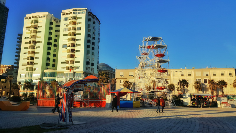 Visitare Tirana con i bambini, lungomare Durazzo