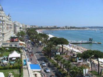 Cannes promenade simile a Valona, itinerario Albania 10 giorni