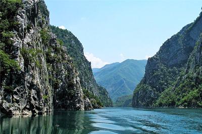 Lago di Koman, Scutari, Albania tour del nord