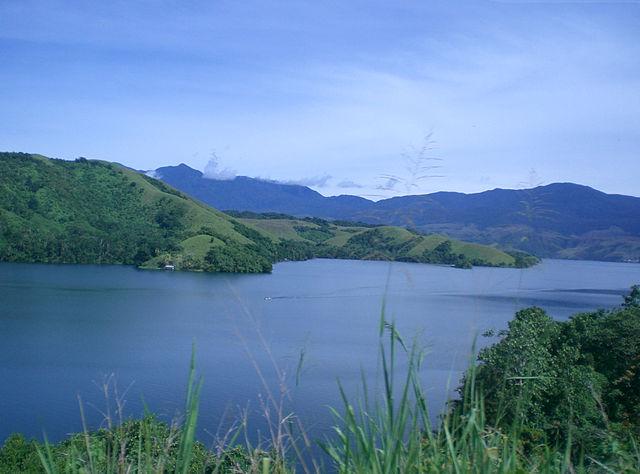 640px-Sentani_Lake
