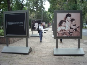 Photography exhibit on Paseo la Reforma