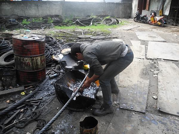 Indonesian laborer