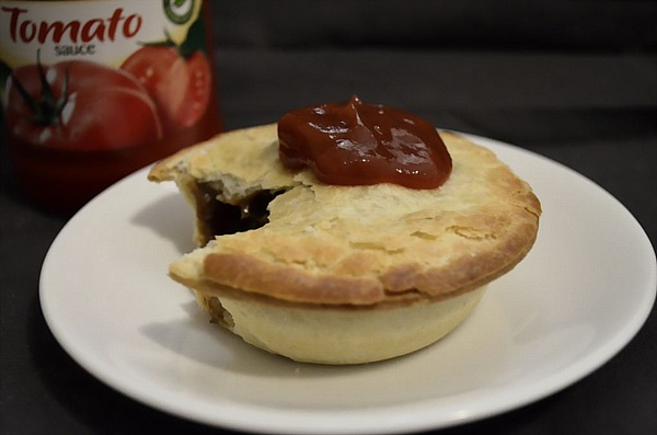 Meat Pie with Sauce_DCE