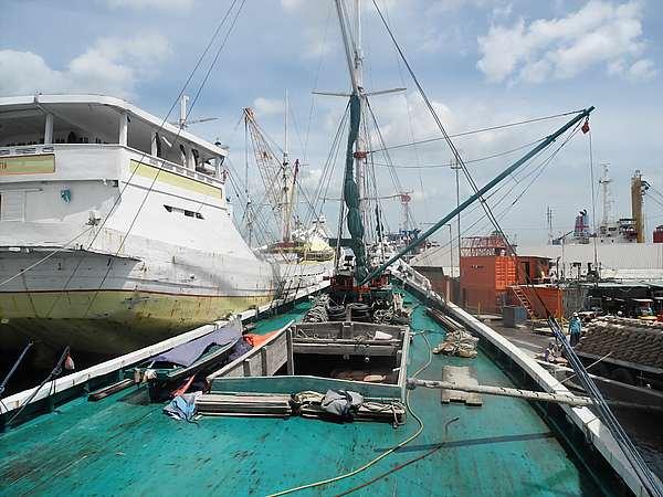 Old port Jakarta Sunda Kelapa (18)