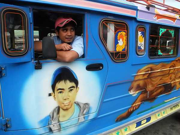 Philippines Jeepney driver 3 (2)