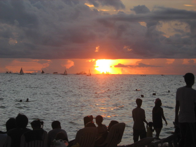 sunset_at_boracay_beach_philippines