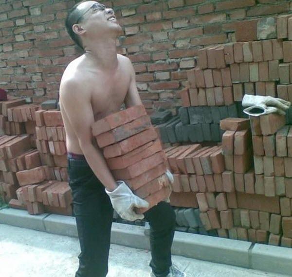 chinese-kid-moves-bricks