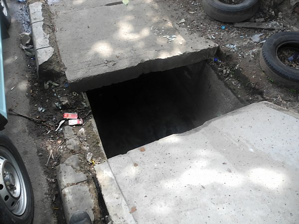 dangerous sidewalk Indonesia