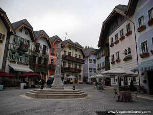 http://www.vagabondjourney.com/travelogue/wp-content/uploads/hallstatt-austria-china.jpg