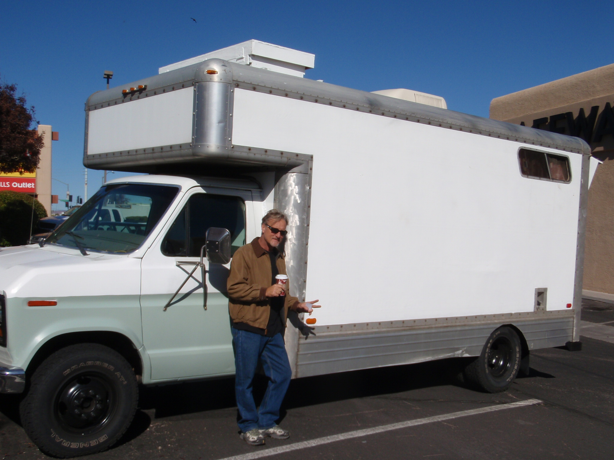 Homemade rv converted from moving truck for Rv plans