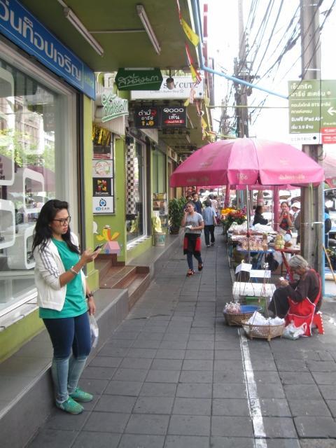 Bangkok lady phone