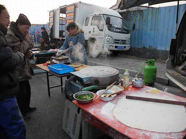 migrant-workers-cooking