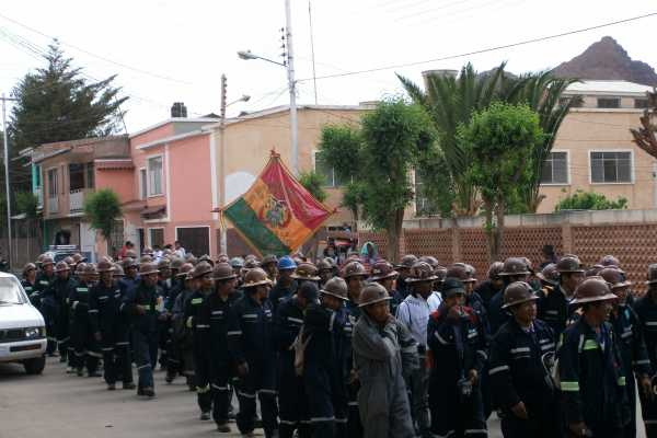 Mixed-Miners-Union-March-Bolivia-3