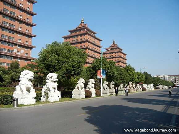 stone lions in Huaxi