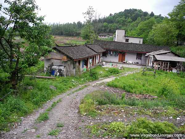 There are little ethnic minority villages through the park. They dress no differently from the Han so their homes haven't been made into tourist attractions.