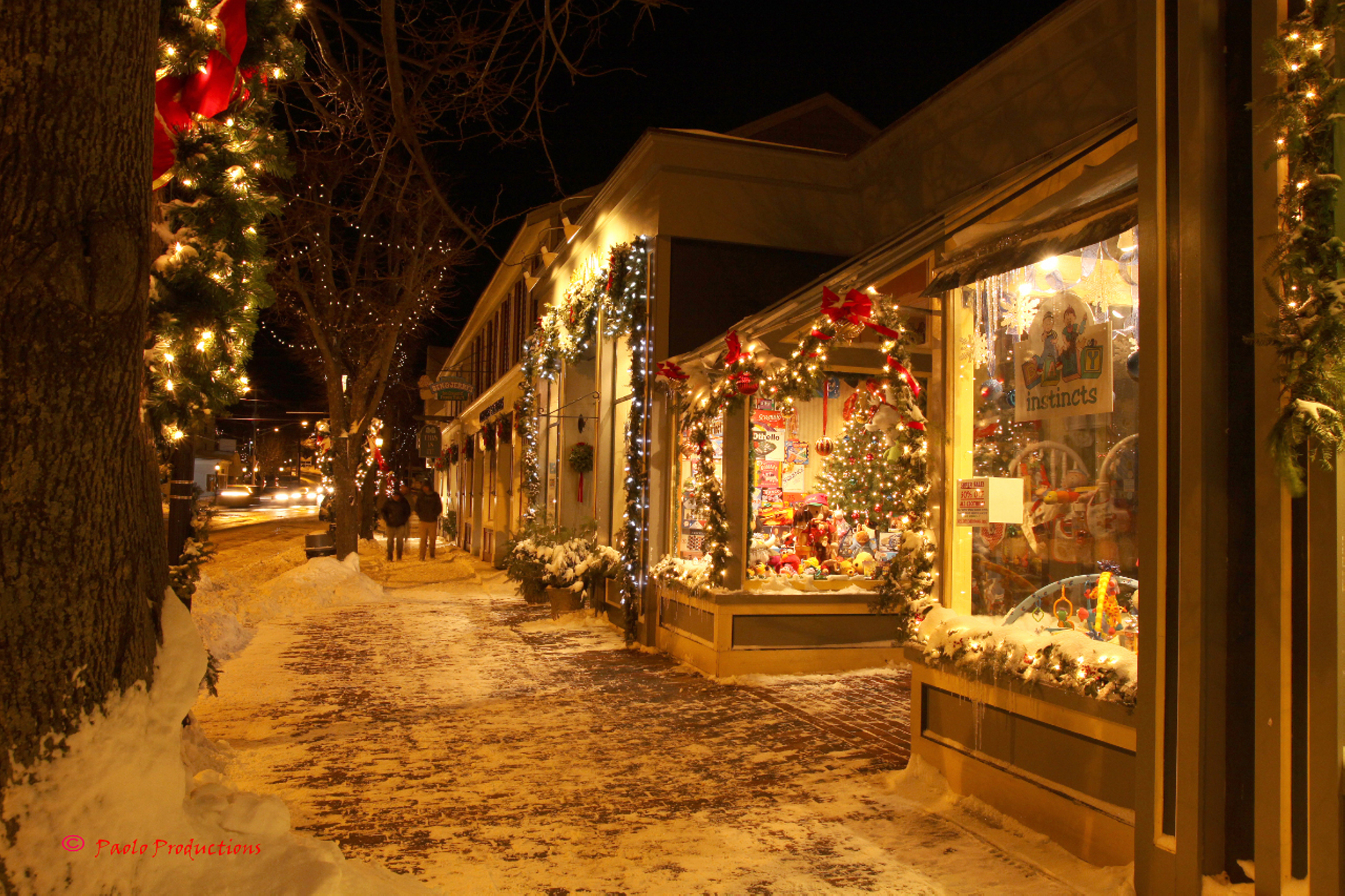 Design Love Fest Fall Wallpaper Towns With The Most Christmas Spirit Vagabond Summer