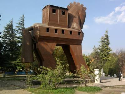 Troy's Trojan Horse