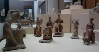 Trojan Gods hoding Court