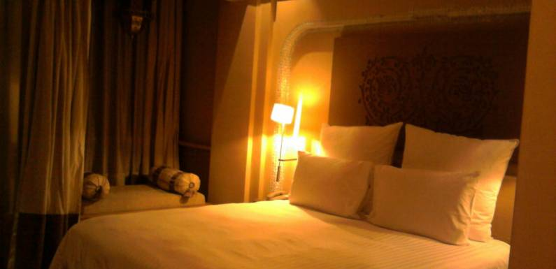 Hotels vs. Hostels vs. Couchsurfing