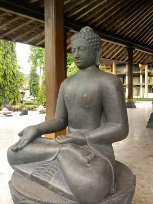Travel Buddha