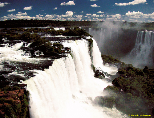 Iguassu Falls ccImage courtesy of Claudio Mufarrage on Flickr