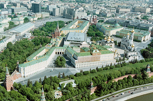 Birds eye view of the Moscow Kremlin by Kremlin.ru [CC-BY-3.0 (http://creativecommons.org/licenses/by/3.0)], via Wikimedia Commons