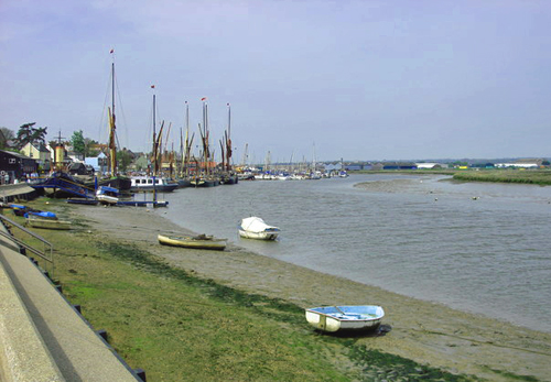 Blackwater Estuary, Maldon - the scene for Princess Mary's escape plans by Oxyman [CC-BY-SA-2.0 (http://creativecommons.org/licenses/by-sa/2.0)], via Wikimedia Commons