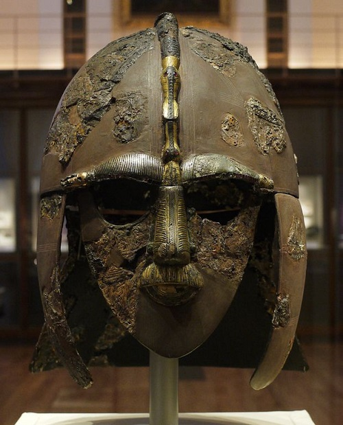 Photo of the Sutton Hoo helmet temporarily located in room 1 of the British Museum By geni (Photo by user:geni) [GFDL (http://www.gnu.org/copyleft/fdl.html) or CC-BY-SA-3.0-2.5-2.0-1.0 (http://creativecommons.org/licenses/by-sa/3.0)], via Wikimedia Commons