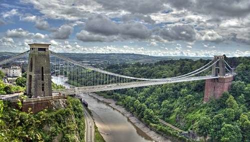 Brunel's Clifton Suspension Bridge over the River Avon By Nic Trott (http://www.flickr.com/photos/nikon_nic/7519208704/) [CC-BY-2.0 (http://creativecommons.org/licenses/by/2.0)], via Wikimedia Commons