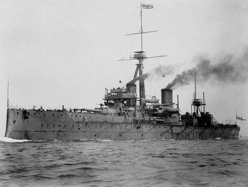 HMS Dreadnought in 1906 By U.S. Navy (U.S. Naval Historical Center) [Public domain], via Wikimedia Commons