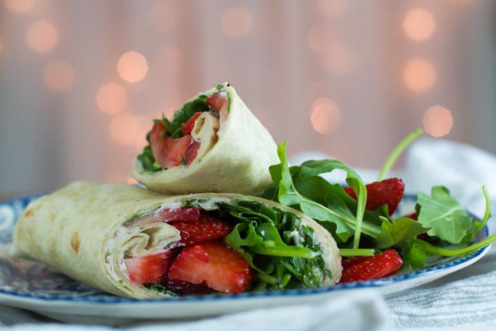 wrap de rucula e morangos #wrap #vaicomeroque #receita (1 of 1)