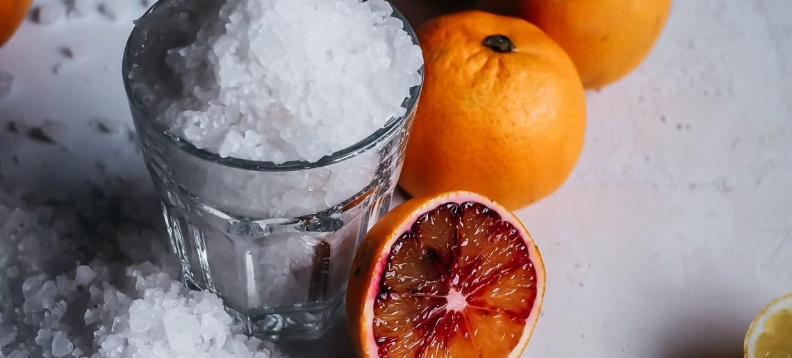 Suolaan säilötty veriappelsiini
