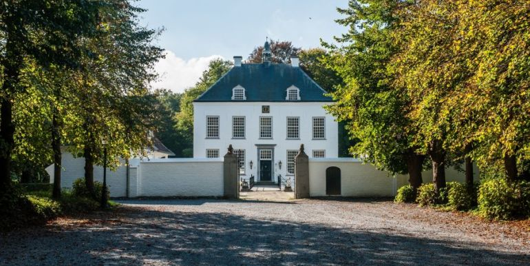 Vakanthuis witte kasteel Noord Brabant Loon op Zand