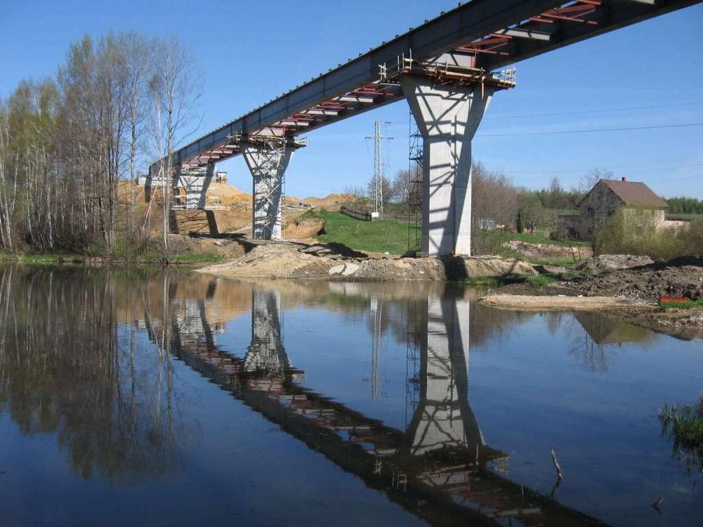 Pohled na vysunutý most
