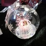 boule en verre ange lumineuse 3 couleurs gravure prenom