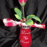 bocal en verre transformé en vase gravure bonne fete mamie